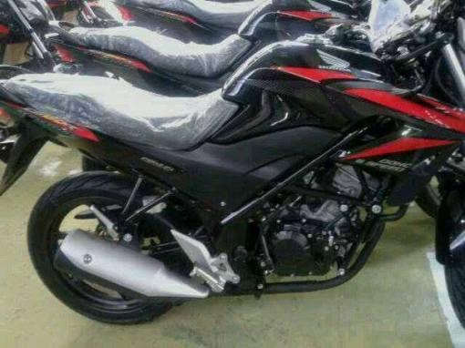 warna-baru-honda-cb150r-hitam