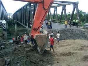 jembatan comal , jembatan comal ambles